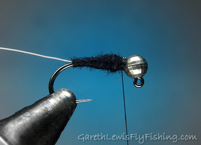 4. Working from the hook bend up, dub a slim, tapered abdomen of beaver, leaving enough room for the thorax to come shortly