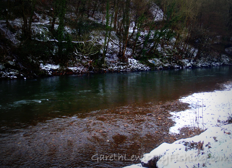 The river always looks beautiful in the snow...
