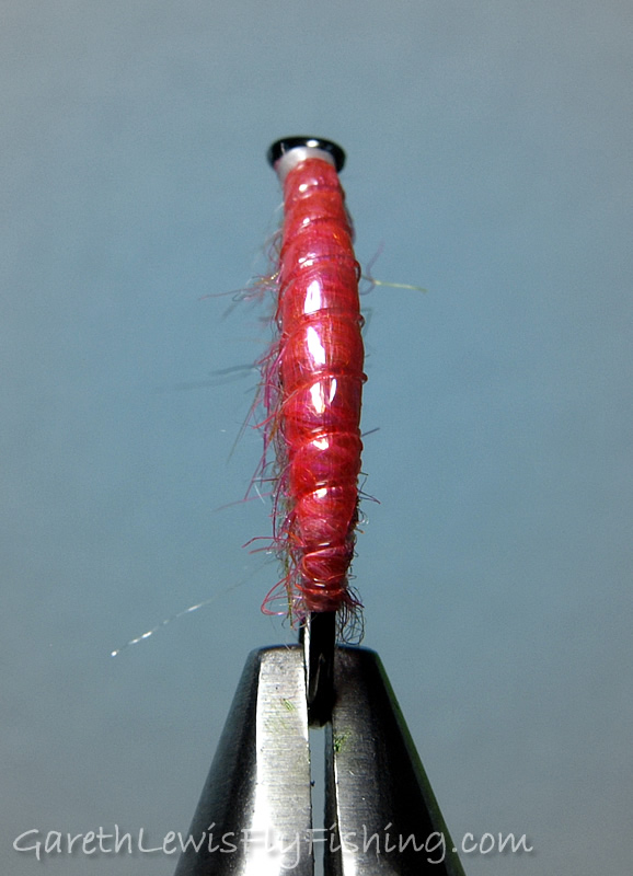Pink Shrimp Czech Nymph - The important body taper